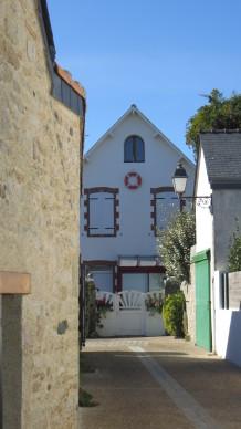 ruelles et jolie maison